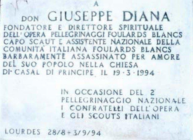 Don Peppe Diana targa Lourdes Foulard bianchi
