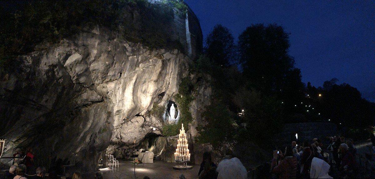 Foulard Bianchi Abruzzo grotta-notte-lunga