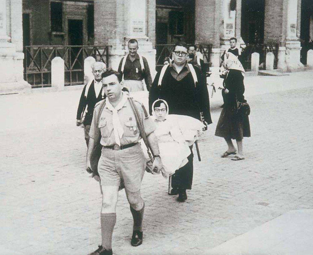 Loreto Giuseppe Gioia servizio Foulard bianchi
